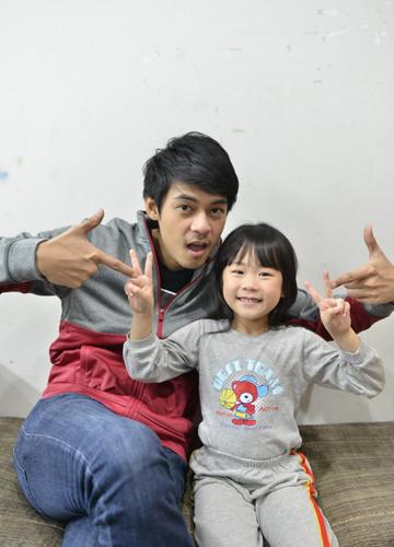 แดนซูฮกน้องยูเคสุดอินบทพ่อลูกในThe One Ticket