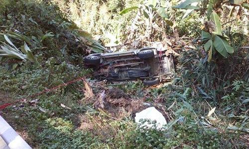 รถนักท่องเที่ยวคว่ำแหกโค้ง ทางขึ้นอินทนนท์ ดับ 3 ศพ