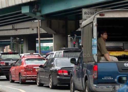 จราจร ถนนสุขุมวิท รถมากเคลื่อนตัวได้ช้า