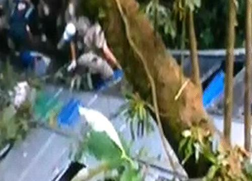 รถบัสบราซิลซิ่งแหกโค้งดับ50ศพคาดเบรกแตก