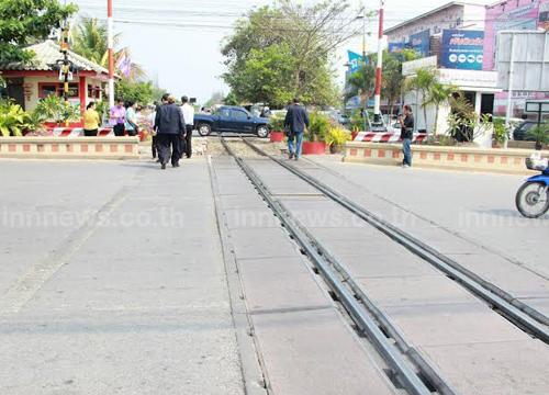 ปลัดกระทรวงคมนาคมลงตรวจจุดตัดรถไฟหัวหิน