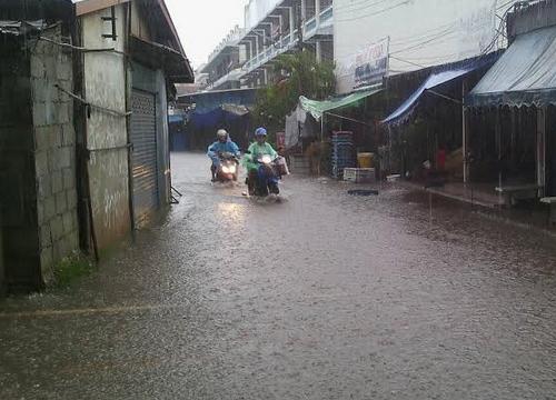 ชัยภูมิ พายุฝนถล่มอ.แก้งคร้อจมบาดาล