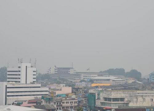 ควันไฟป่าจากอินโดฯรุกตรังหนาแน่นขึ้น
