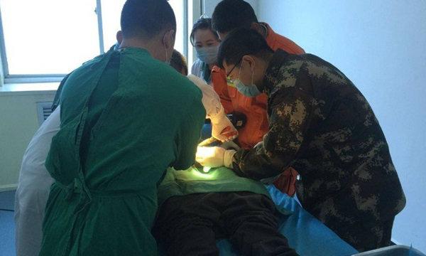 หนุ่มจีนสุดอับอาย พิเรนทร์ยัดถั่วใส่อวัยวะเพศ กู้ภัยทั้งเมืองรุมช่วย