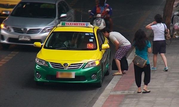 เตือน! แท็กซี่ปฏิเสธผู้โดยสาร จะถูกพิจารณาพักใช้ใบอนุญาตทันที