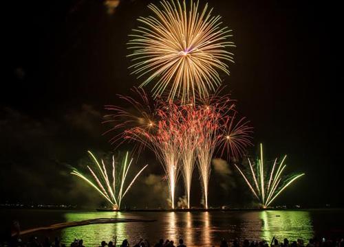 เทศกาลพลุเมืองพัทยาวันสุดท้ายยังคึกคัก