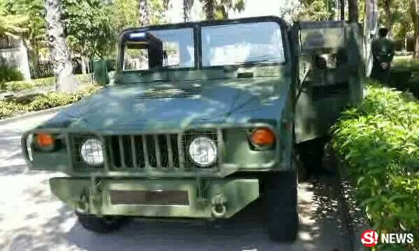 รถทหารจอดบ้านณัฐวุฒิ ใสยเกื้อ หลังประกาศไปอุทยานราชภักดิ์