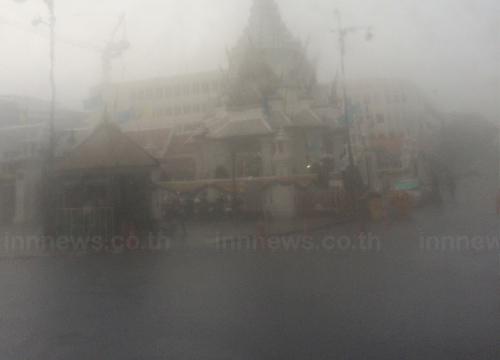 ฝนถล่มกทม.น้ำท่วมขัง3จุดเขตป้อมปราบฯหนักสุด