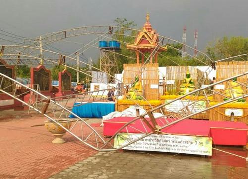 งานรำลึกนครบาลเพชรบูรณ์หวิดล่มหลังพายุถล่ม