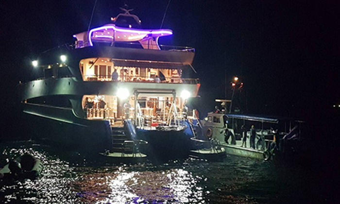 เรือทัวร์ดำน้ำล่มทะเลชุมพร ค้นหาทั้งคืน ยืนยันเสียชีวิต 5 ศพ