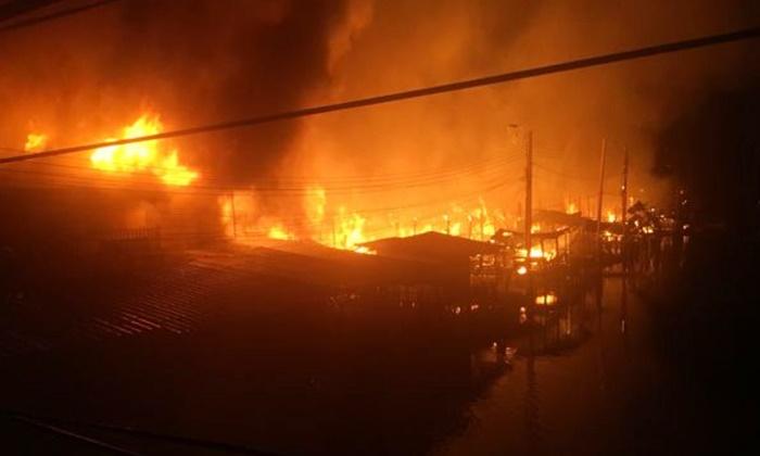 ไฟไหม้วอดชุมชนย่านลาดกระบัง ทารก 4 เดือนสังเวยในกองเพลิง