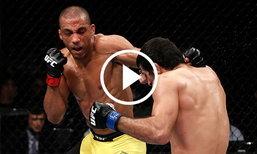 ศึก UFC แลกหมัดกันอุตลุตสุดท้ายจบด้วยท่าอะไรไปชม (คลิป)