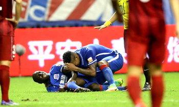 """ใจหล่อ! """"เดมบา บา"""" ไม่โทษซุนเซียงทำขาหัก ชี้เป็นอุบัติเหตุมากกว่า"""