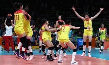 """มังกรผงาด! """"จีน"""" ตบ """"เซอร์เบีย"""" 3-1 ซิวทองลูกยางสาวโอลิมปิก"""