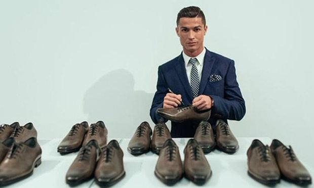 โรนัลโด้เปิดตัวรองเท้ารุ่นใหม่แบรนด์ CR7