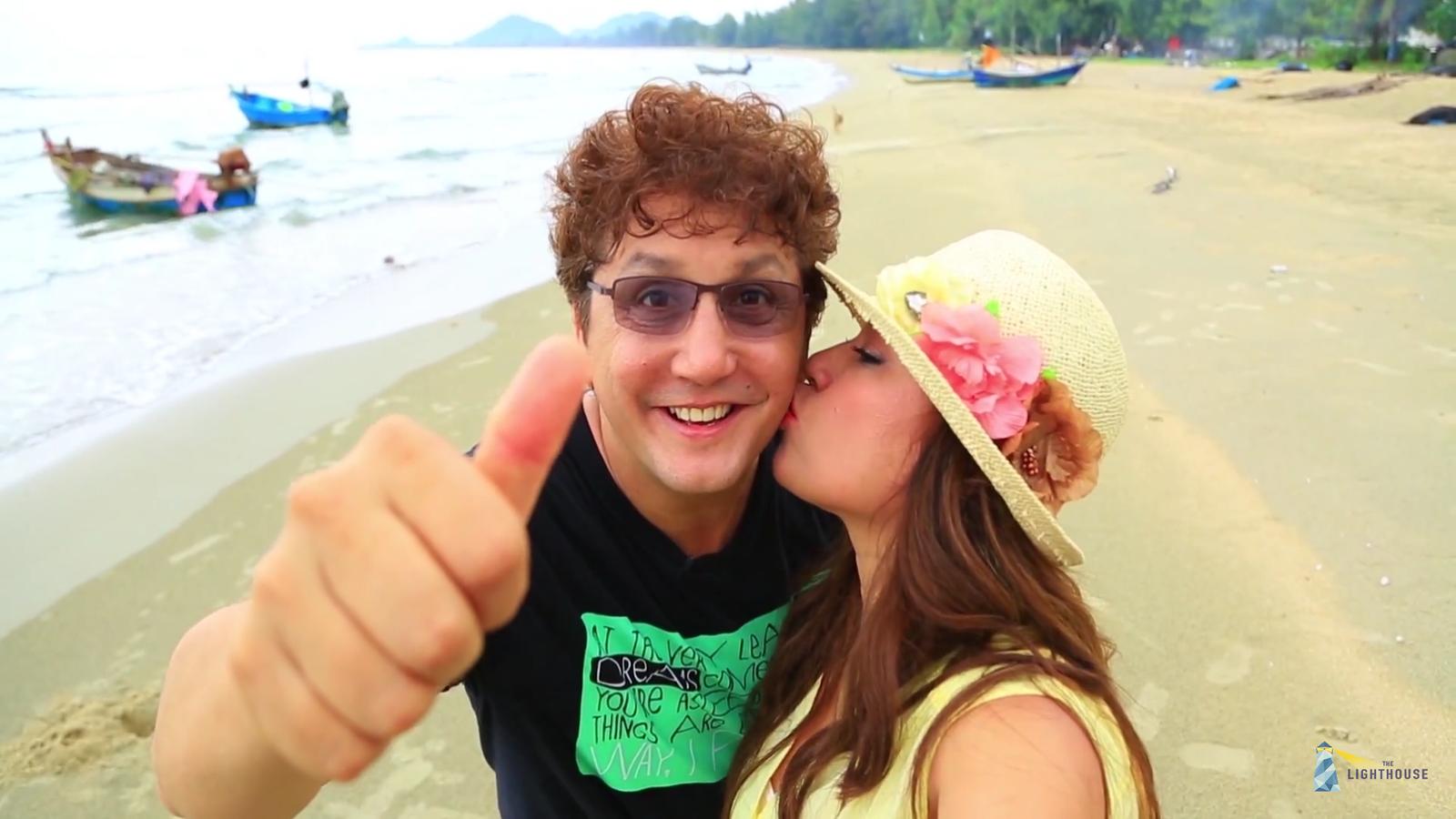 จอห์น กับภรรยาที่น่ารัก