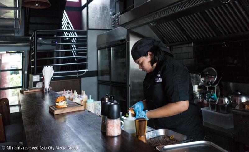 Artisan Craft Burgers ร้านเบอร์เกอร์สไตล์อเมริกันแท้ที่อัดแน่นไปด้วยรายละเอียดของงานคราฟต์